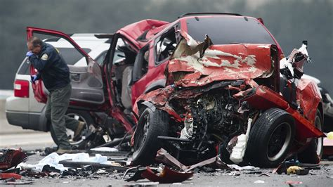 6 Die When Driver Goes Wrong Way On Calif. Freeway