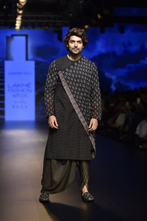 soumodeep dutta at lakm 233 fashion week 2018 vogue india