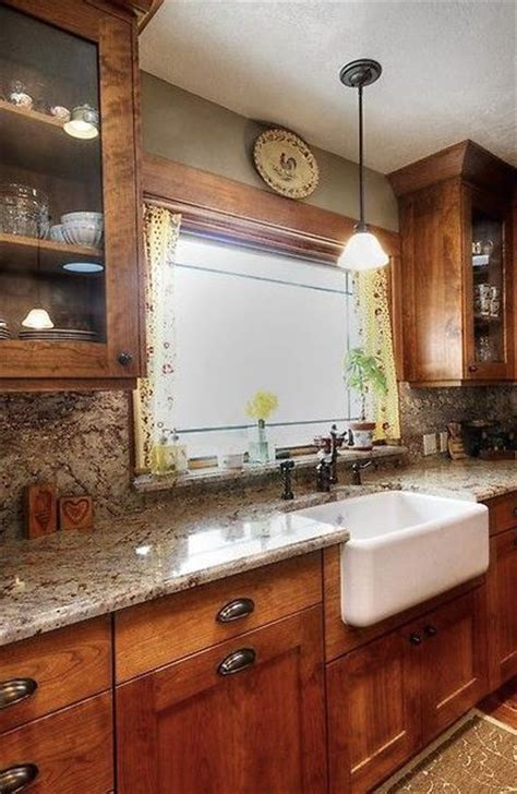 25  best ideas about Maple cabinets on Pinterest   Maple