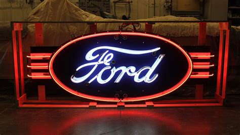 Ford Dealership Neon Sign With Wings DSPN 96x36   J72