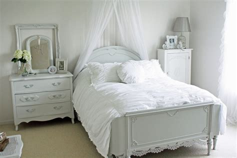 used white bedroom furniture bedroom makeover ideas on a delightful antique white bedroom furniture decorating