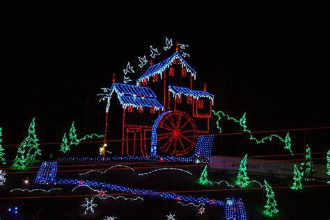 christmas lights up gatlinburg pigeon forge sevierville
