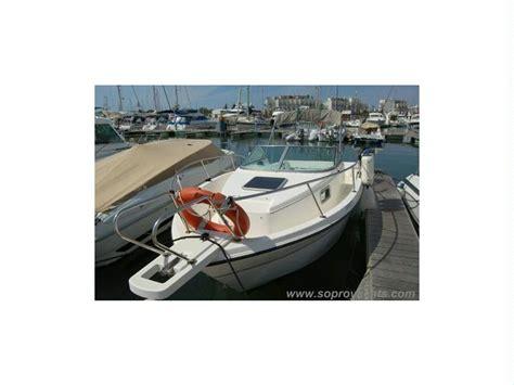 Karnic Bluewater Line 211 Em Faro  Barcos A Motor Usados
