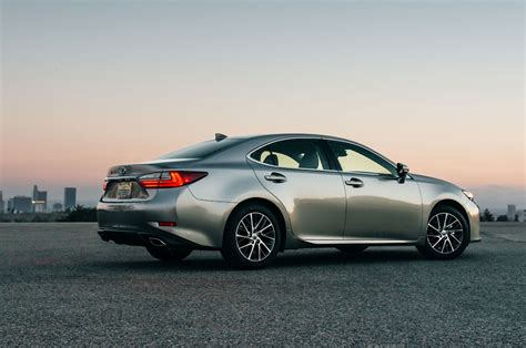 lexus es reviews research es prices specs