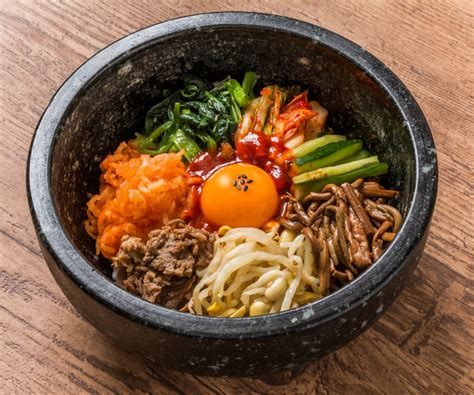table de cuisine d occasion 15 recettes coréennes incontournables à tester de toute urgence cuisine coréenne 15