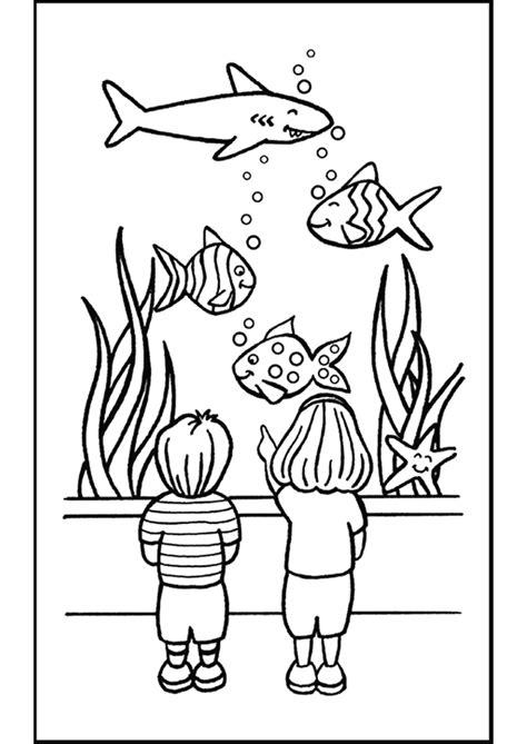 coloriage les enfants visitent un aquarium hugolescargot