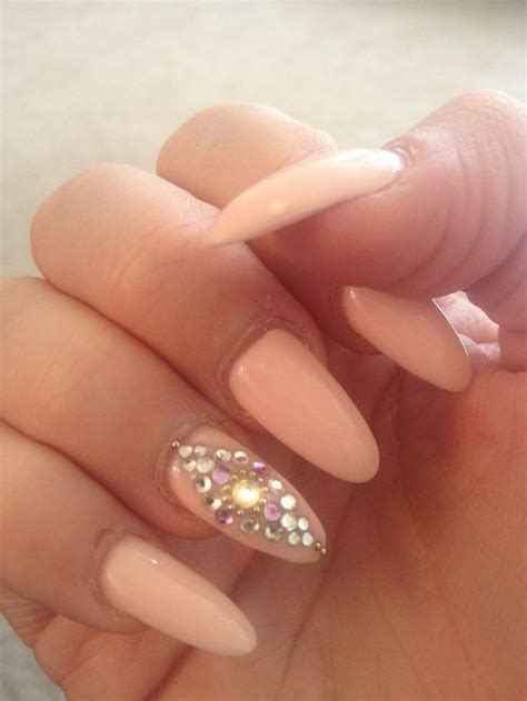 almond nails with design stuff