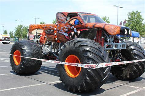 monster truck jam philadelphia philadelphia pennsylvania monster jam june 4 2011