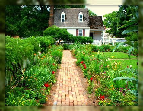 living in williamsburg virginia backyard garden
