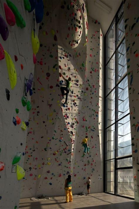 l escalade en salle est un sport extr 234 me mais abordable archzine fr