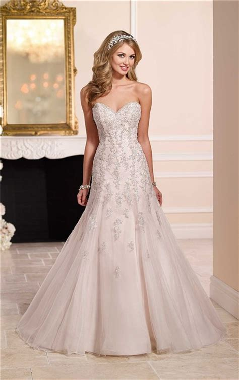 fitted   strapless sweetheart tulle lace beaded