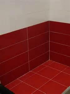 Carrelage cuisine rouge d coration cuisine rouge et beige for Choix des couleurs de peinture 18 cuisine quel carrelage mural choisir