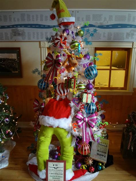 grinch inspired decorating grinch tree lol still think of when i see stuff