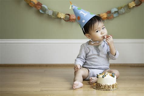 great for birthday 346 | Baby first birthday GettyImages 164713081 58b989665f9b58af5c4c48c1