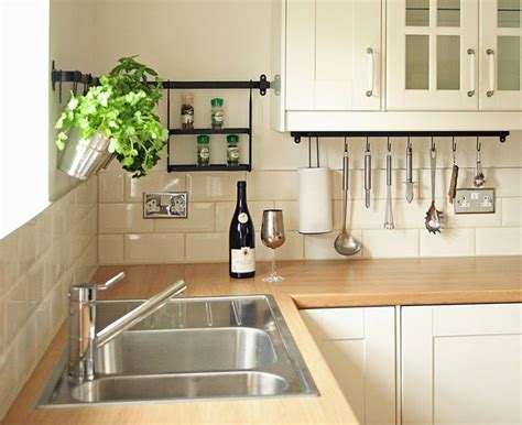 ideas for kitchen wall tiles 25 best ideas about kitchen wall tiles on pinterest dark grey tile ideas and geometric tiles