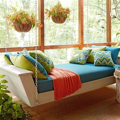 build  hanging daybed  turn  porch   restful