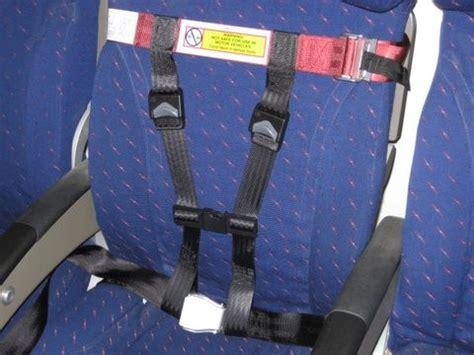 siege bebe avion bébé en avion réserver un siège oui ou non