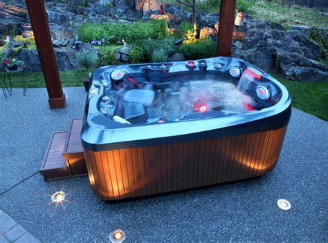 Hot Tub : How To Choose The Outdoor Jacuzzi