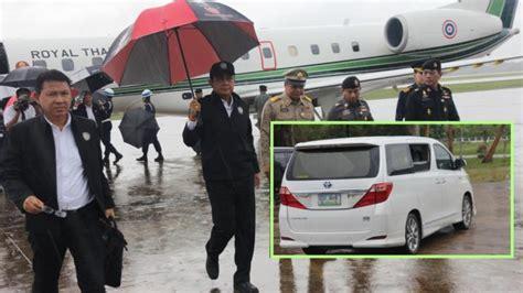 ฝนหนักป่วนทริป! บิ๊กตู่ ลงเครื่องบินสุราษฎร์ฯ นั่งรถต่อไป ...