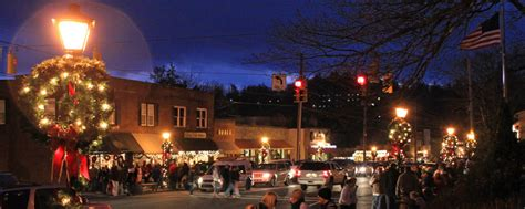 A Picture esque Look at Holiday Tradition in Blowing Rock   Blowing Rock, North Carolina