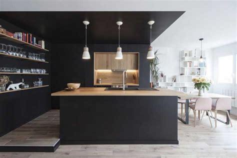 bureau estrade une cuisine et bois au coeur d 39 une rénovation
