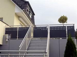 Balkongeländer Glas Anthrazit : balkongel nder bzw terrassengel nder aus edelstahl rundrohr mit f llung aus lochblech gepulvert ~ Michelbontemps.com Haus und Dekorationen