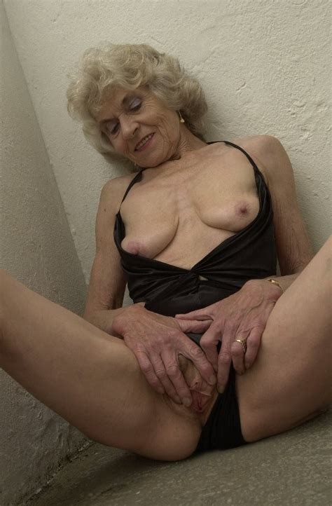 Old British Granny Mature Porn Photo