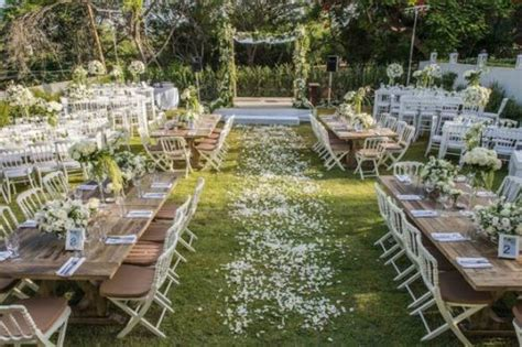 Wedding Reception In Backyard by Budget Backyard Ceremony Decorations The Backyard Wedding