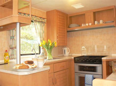 caravan kitchen cabinets 2 bedroom standard plus caravan cornwall tehidy 1990