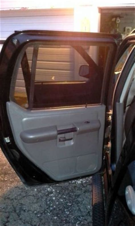 sell   ford explorer sport trac xlt sport utility