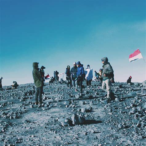 pendakian gunung semeru full booked medcomid