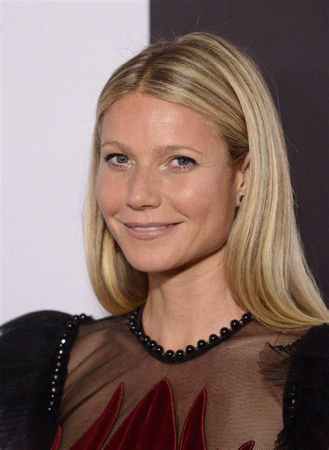 gwyneth paltrow honoured  icon award  elle magazine  anniversary party  spain