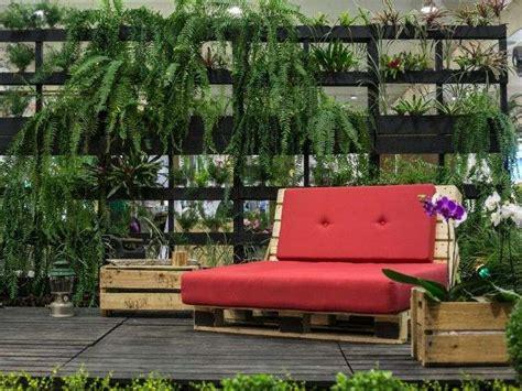 canapé jardin bois mobilier de jardin en palette bois cool planches de