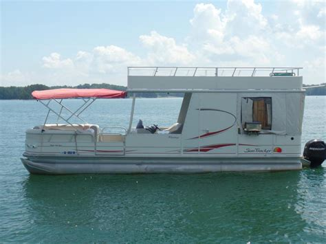 30 Pontoon Boat by Tracker Hut 30 Boats For Sale
