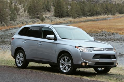 Mitsubishi Outlander Mileage by 2014 Mitsubishi Outlander Gas Mileage The Car Connection