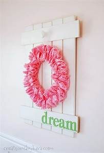 DIY White Picket Fence Sign With Hanging Wreath