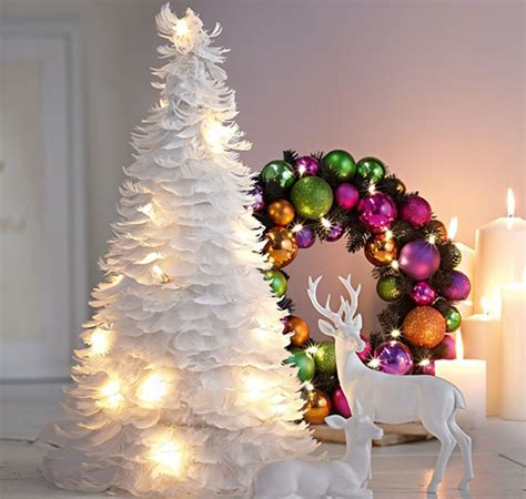 feathers decor decorate tree wreath garland holiday