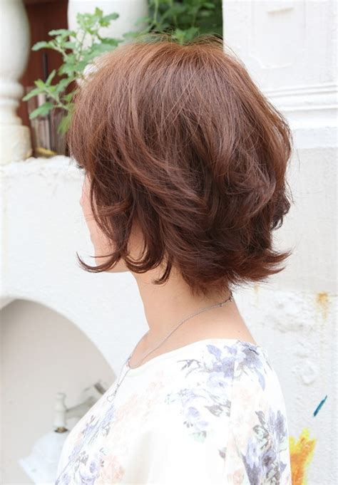 super hot short hairstyles  layers cool colors