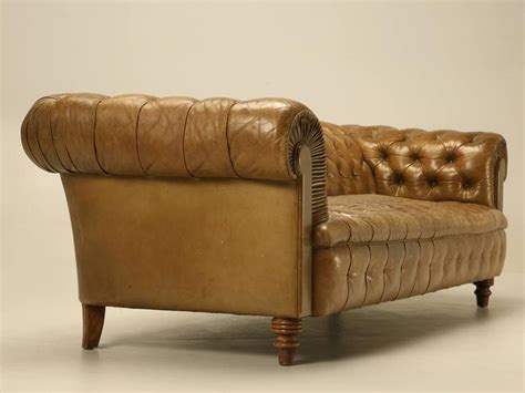 32095 furniture leather original original unrestored chesterfield tufted leather sofa at