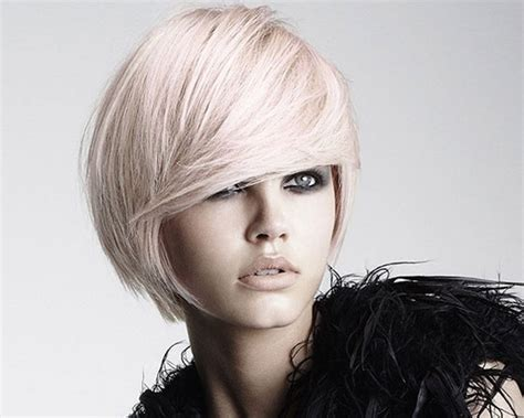 27 Foxy Short Layered Haircuts For Women