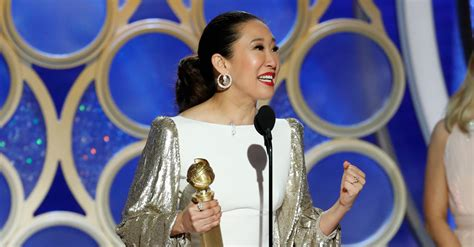 sandra oh golden globes win sandra oh hosts and also wins at the golden globes the