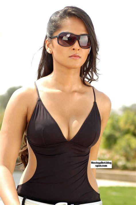 Anushka Shetty In Billa Cineclouds