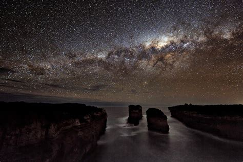 A Milky Way Shadow At Loch Ard Gorge Earth Blog