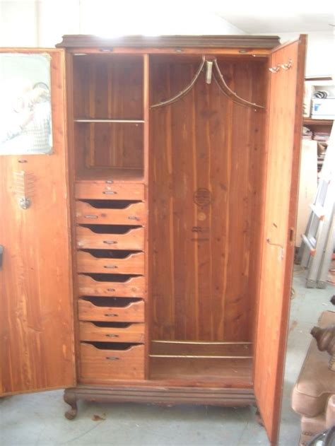 lane cedar wardrobe  wardrobes antiques