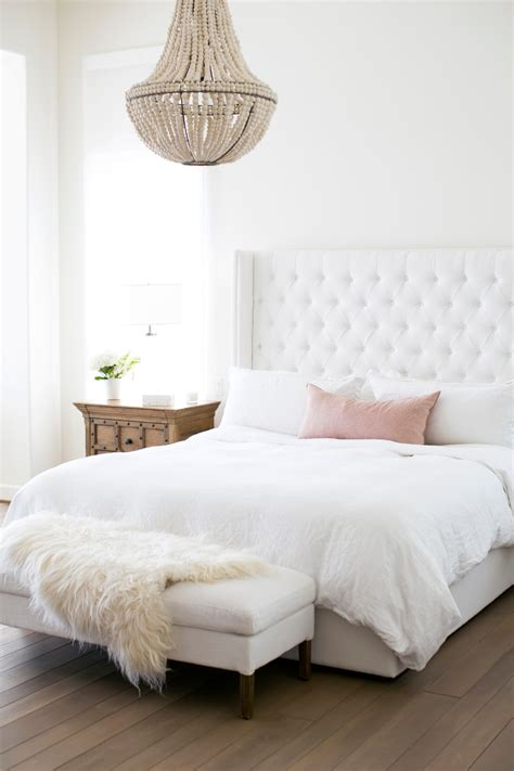 Bedroom Chandeliers White by S 10 Most Charming White Bedroom Designs
