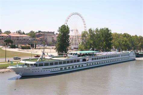 cruise ships fotos van gogh avignon france