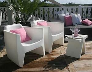 Salon De Jardin Plastique : chaise salon de jardin plastique fauteuil jardin rouge maisondours ~ Teatrodelosmanantiales.com Idées de Décoration