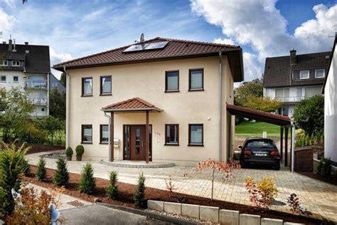 Moderne Häuser Mit Holzfenster by Den Traum Vom Eigenen Haus Wahrgemacht 187 Livvi De