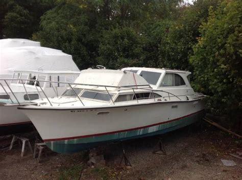 Free Boats by Free 1969 33 Pacemaker Alglas Fiberglass Boat