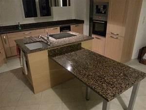 Table De Travail Marbre : plan de travail avec table de cuisine en granit valence ~ Zukunftsfamilie.com Idées de Décoration
